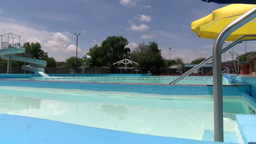 City Pools Celebrate Summer with First Day Opening_20160531232302