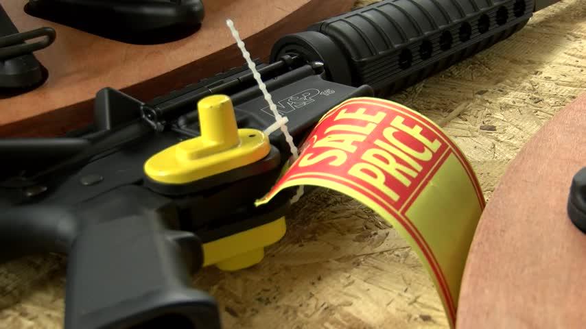 Local Gun Store Describes Background Check_20160614233807