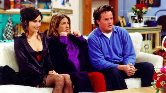 Company offering $1,000 to watch 25 hours of 'Friends'