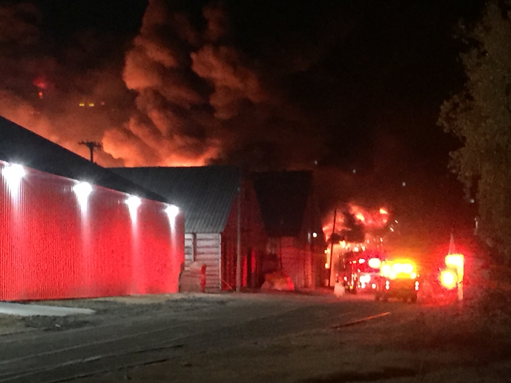 WAREHOUSE FIRE_1543314933331.JPG.jpg