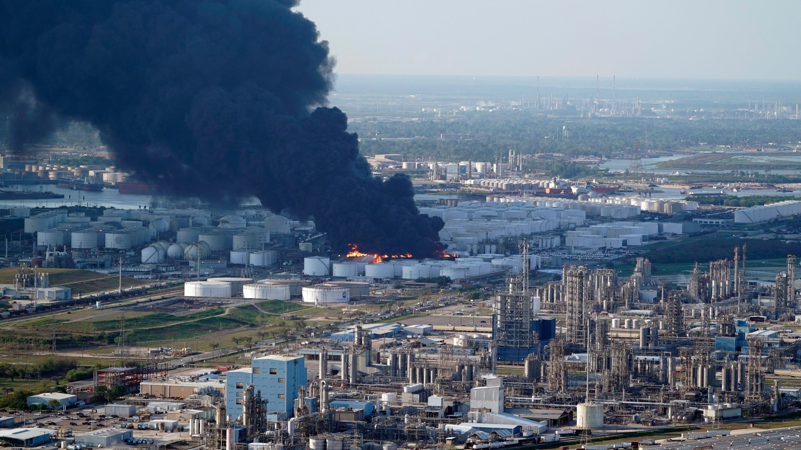 Petrochemical Fire Texas_1554916132919