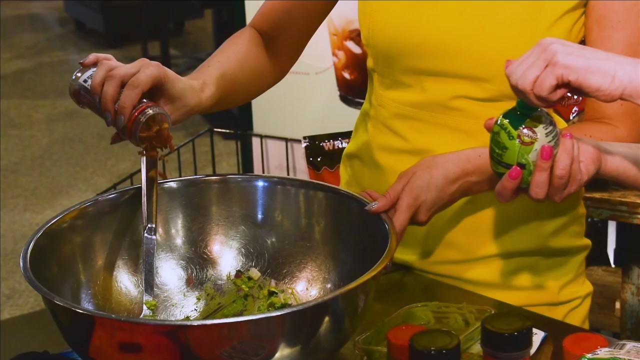 Kiss the Cook: Bacon and Queso Fresco Avocado Dip