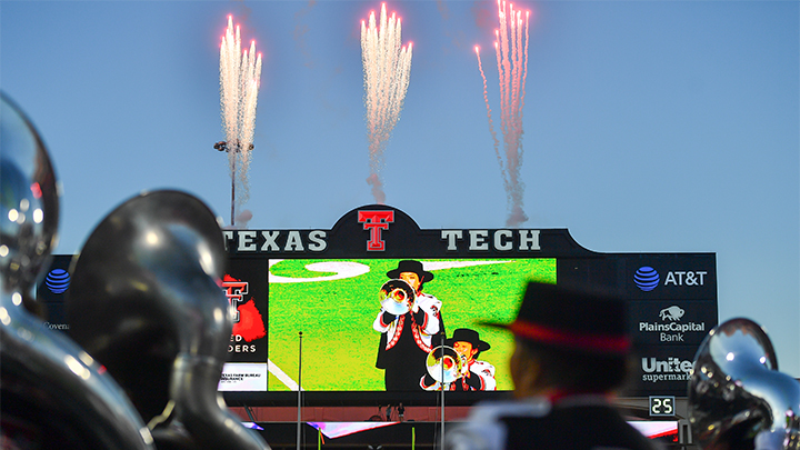 Junior College defensive tackle DeMeco Roland commits to Texas