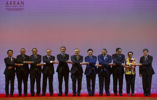 Saleumxay Kommasith, Saifuddin Abdullah, Kyaw Tin, Teodoro Locsin Jr., Vivian Balakrishnan, Don Pramudwinai, Pham Binh Minh, Erywan Yusof, Prak Sokhon, Retno Marsudi Dato Lim Jock Hoi