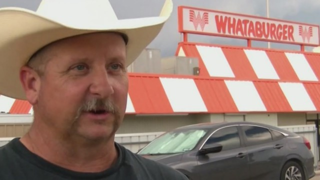 Texas customer openly-carrying gun denied service at Whataburger