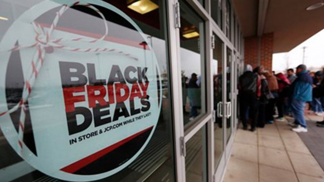 These 35 retailers will not open on Thanksgiving Day