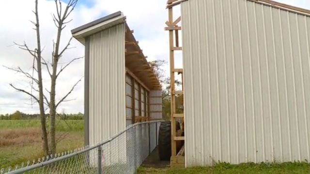 'Most ridiculous thing ever': Officials split building in two to solve property dispute