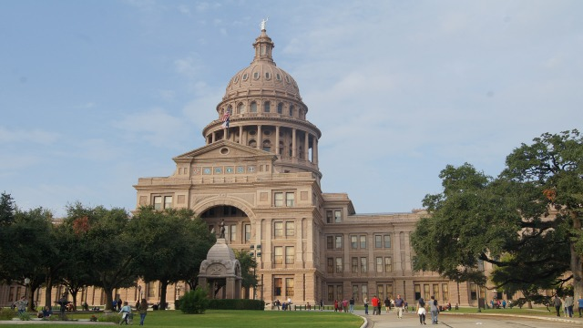Poll: More than half of Texas voters support Prop 6