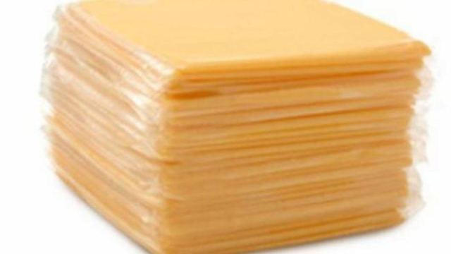 Doctors urge FDA to put breast cancer warning label on cheese