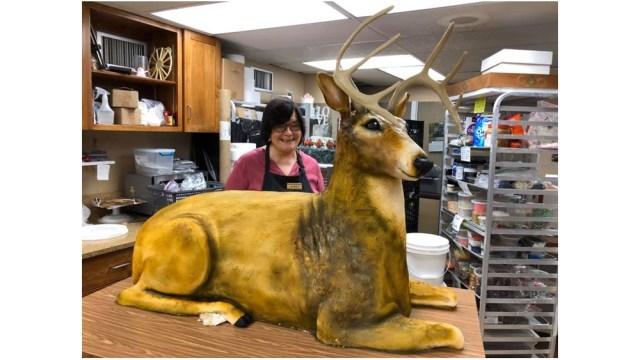 Baker creates wedding cake in shape, size of deer