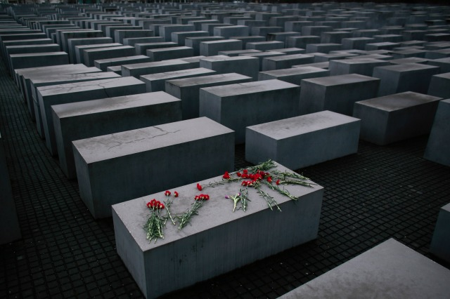 Wealthy German family gives millions to Holocaust survivors