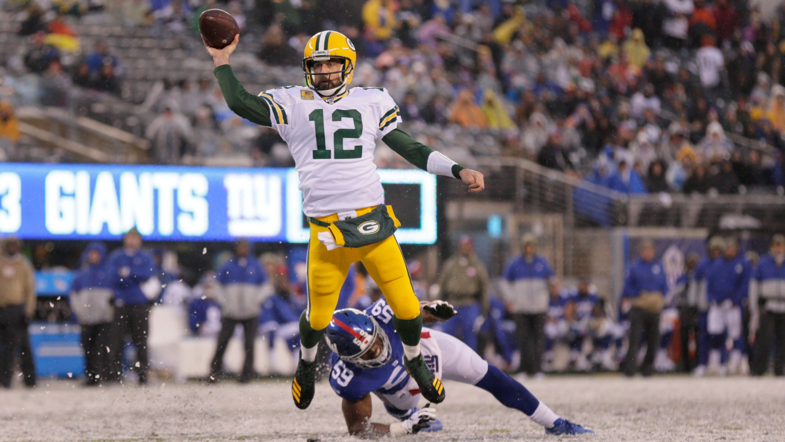 Rodgers Throws 4 Tds Packers Beat Skidding Giants 31 13 Klbk