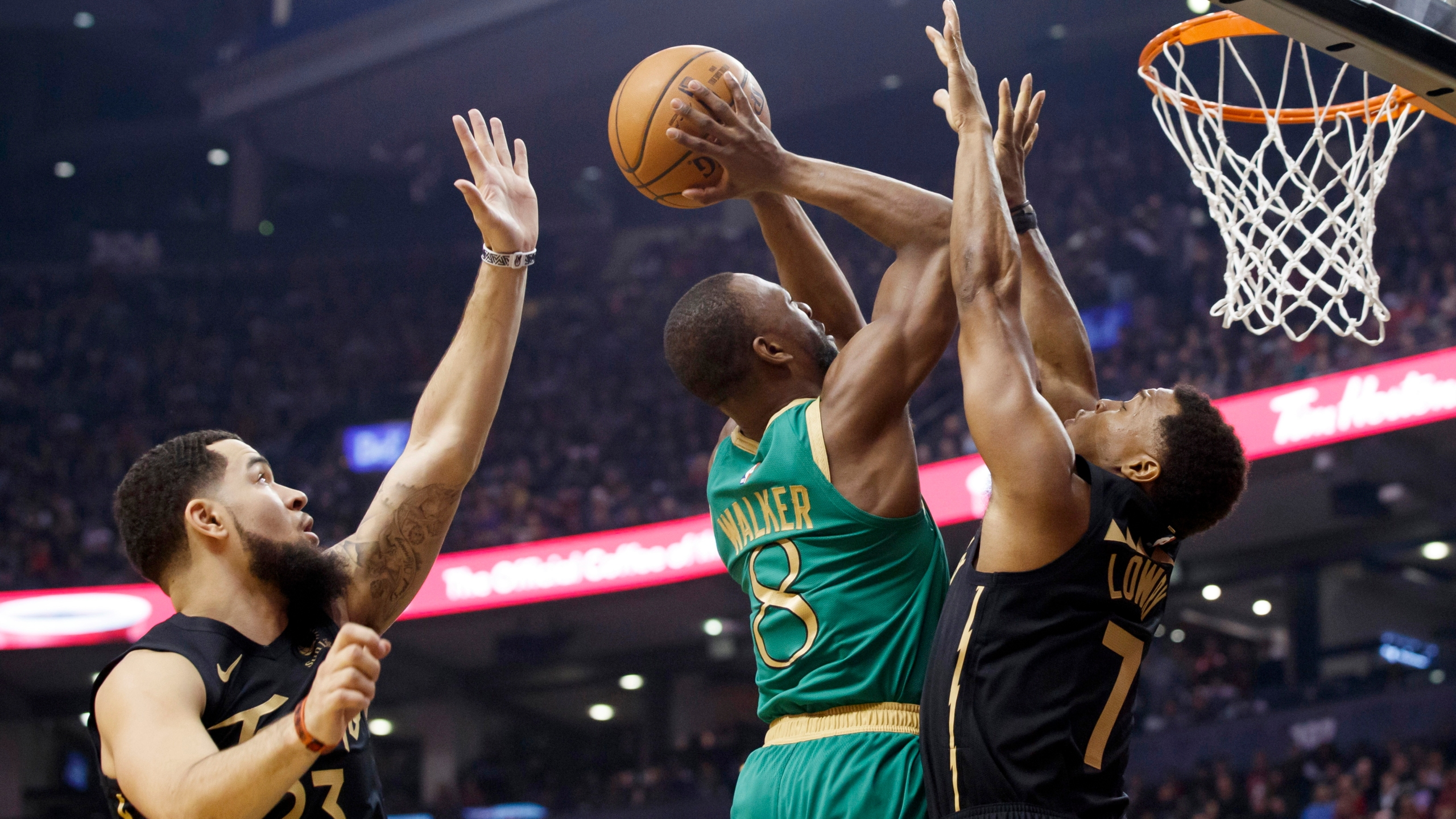 Brown Scores 30 Celtics Beat Raptors 118 102 Klbk Kamc Everythinglubbock Com