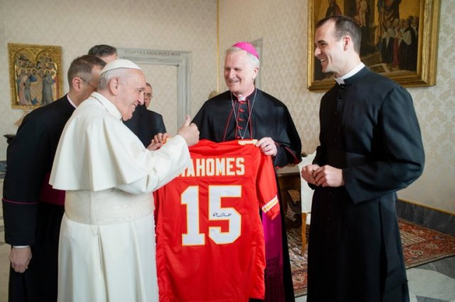 Thumbs up! Pope Francis happily gifted a signed Patrick Mahomes jersey
