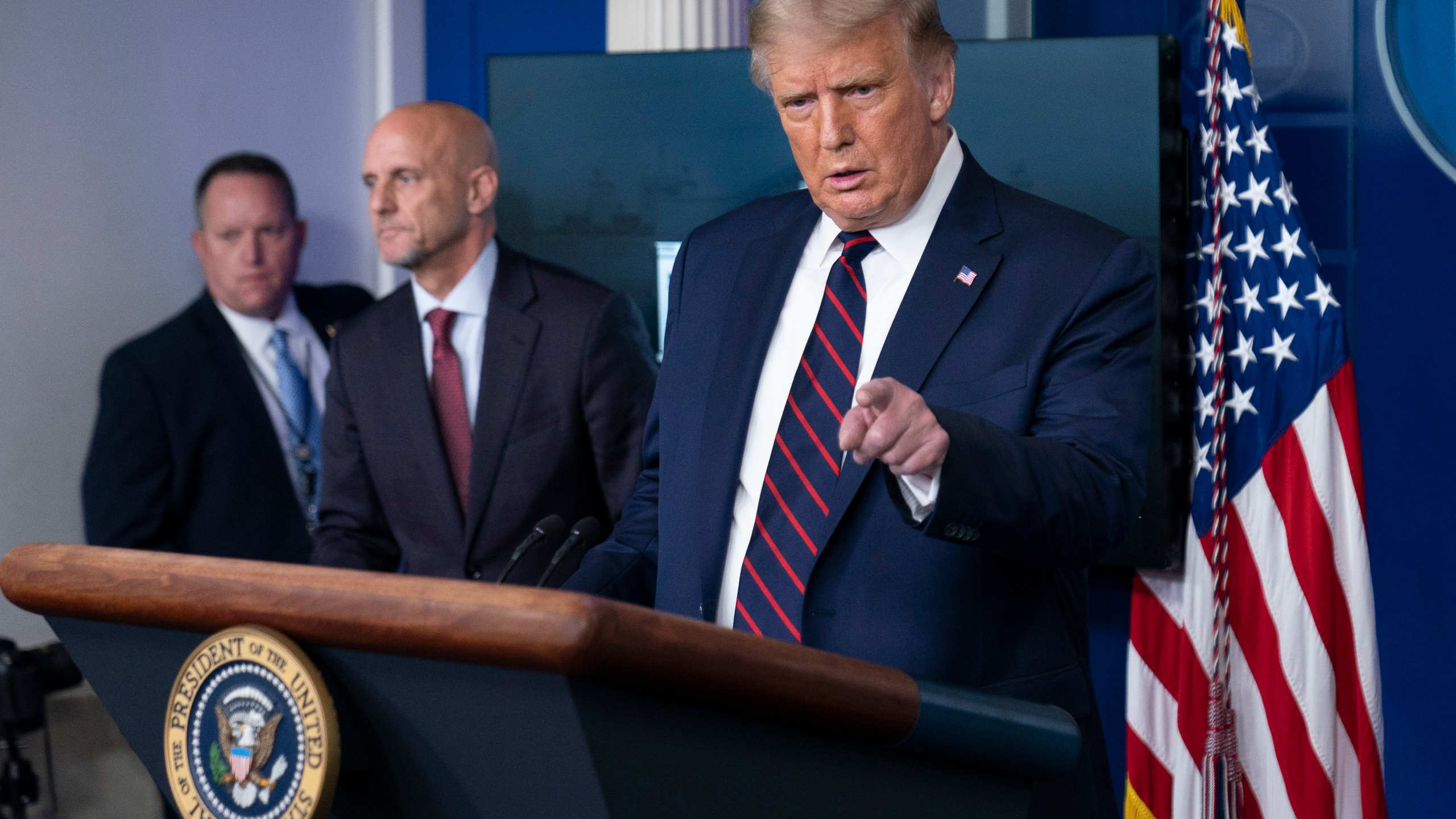 Donald Trump, Stephen Hahn