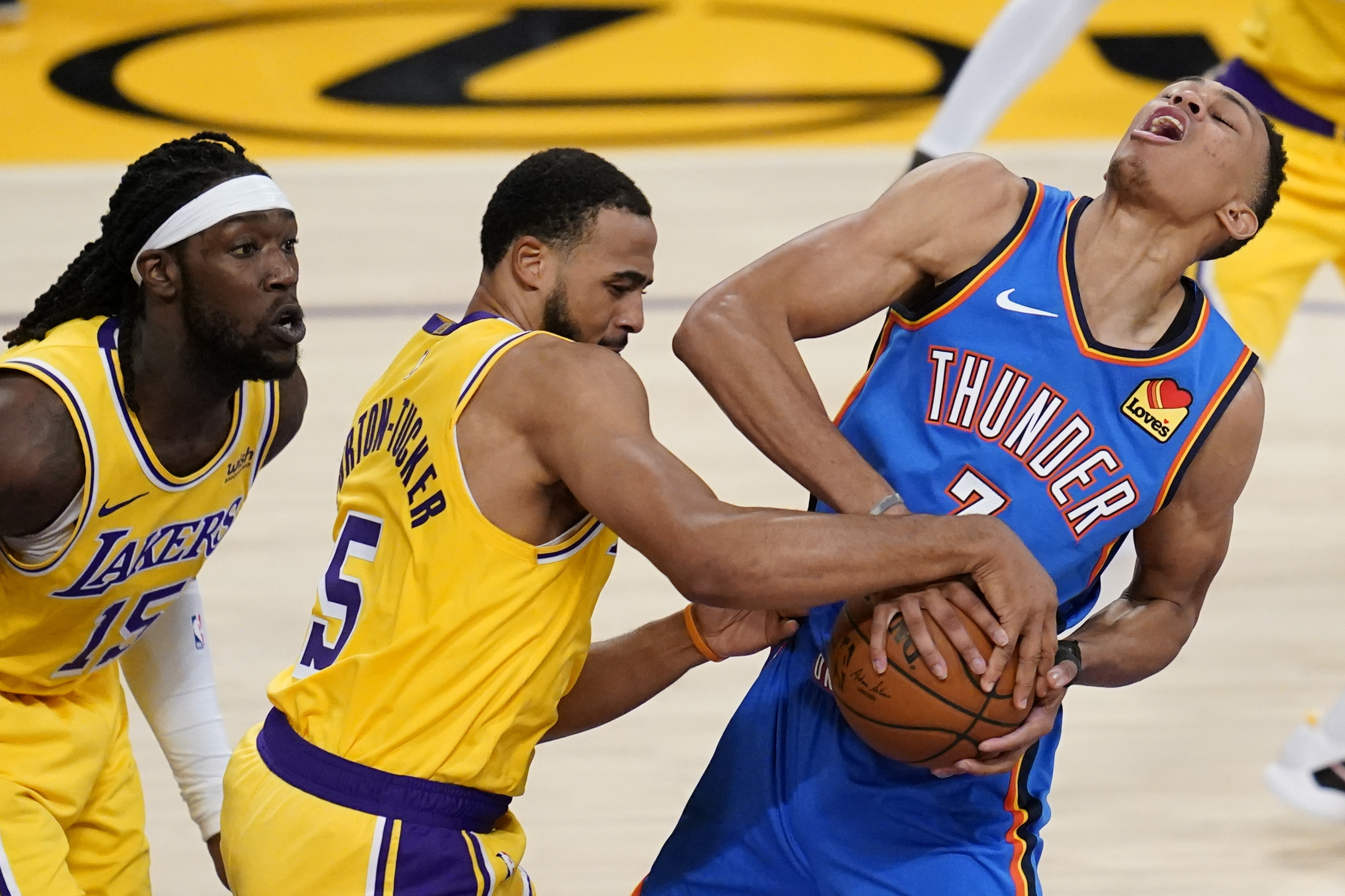 Αποτέλεσμα εικόνας για Los Angeles Lakers - Oklahoma City Thunder 114-113