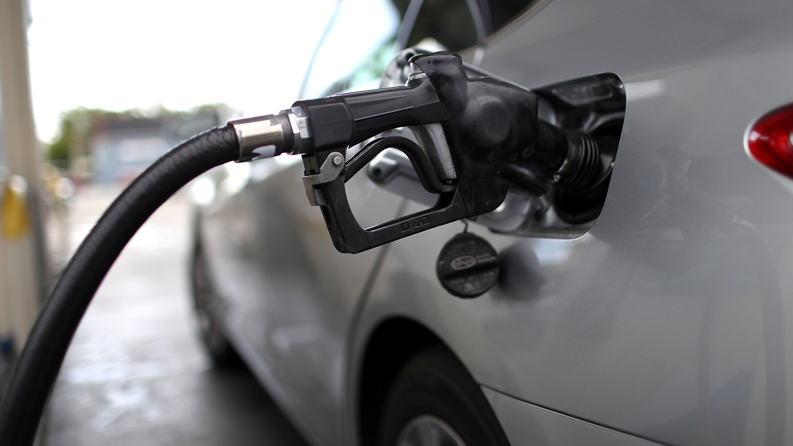 Gas Pump Nozzle (Getty Images 1)